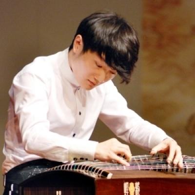 刘乐,第七届中国音乐金钟奖古筝比赛金奖及当代作品演奏奖获得者