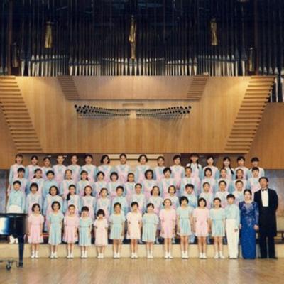 中央人民广播电台少年广播合唱团 - 我们是共产主义接班人