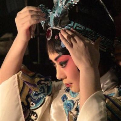 12岁混血少女和杨钰莹同台唱国粹《梨花颂》,惊艳!-文娱排行榜